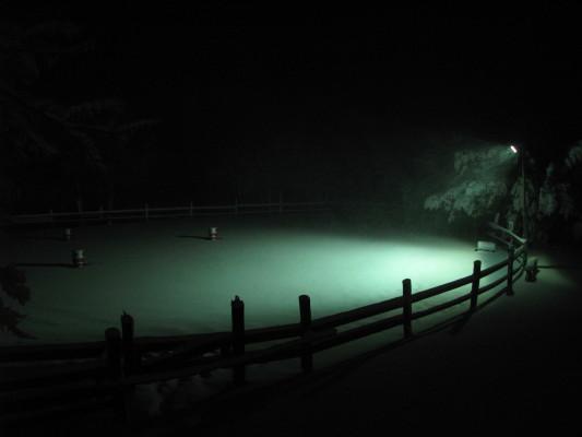 Dalla finestre di casa, il campo pratica alle 7 del mattino